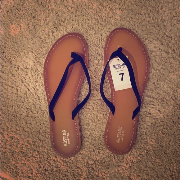 Mossimo Supply Co. Shoes - NWT Mossimo Flip Flops